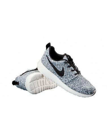"Nike Roshe Run ""2015"" ESTAMPADO NEGRO"