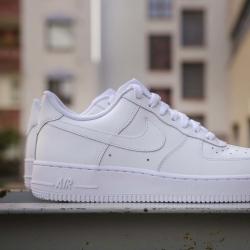 ⚡️NIKE AIR FORCE ONE⚡️  Clásicas e icónicas, así es su estilo que jamás pasa de moda. ¿Y tú? Todavía no las tienes?  www.factoryshoes.es