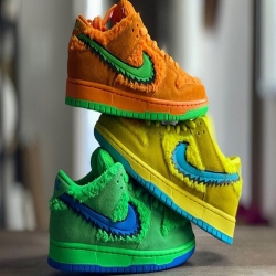 💥NIKE SB DUNK LOW PRO QW💥  Las nuevasNike SB Dunk Low Pro QSson unas zapatillas creadas para las personas más atrevidas debido a su diseño y unos colores espectaculares.☄️  Realiza tu primera compra con un 10% de descuento con nuestro cupón BIENVENIDA  www.factoryshoes.es