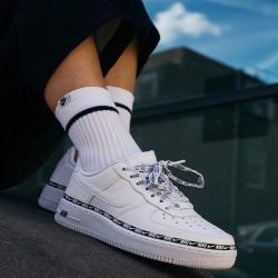 NIKE AIR FORCE 1' SE PREMIUM X 59,95€  Espectaculares zapatillas disponibles en nuestra página web!  15% de descuento con el cupón -> DESCUENTO15  ENVIO GRATIS 🌍